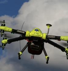 Drones et défibrillateurs pour les secours